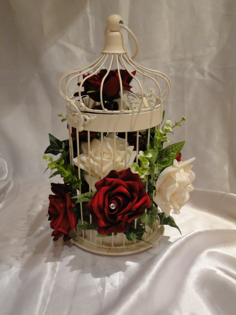 Vintage Bird Cage Centerpiece : Gorgeous bird cage vintage wedding table red roses nice