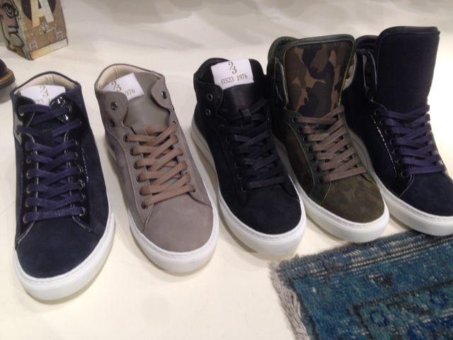Er staan new arrivals heren sneakers en schoenen online! www.pietzoomers.com