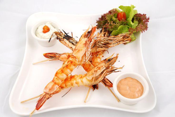 Les 25 meilleures id es concernant brochettes de crevettes - Brochettes de poissons marines et grilles ...