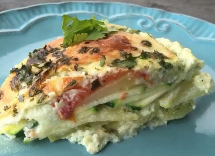 Deliciosa receta para usar de plato de fondo o como acompañamiento: Gratín de Papas y Verduras (zapallo italiano y coliflor)