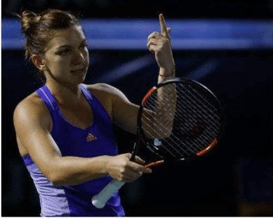 Simona Halep s-a calificat in semifinalele turneului WTA de la Dubai, dupa ce a invins-o pe rusoaica Ekaterina Makarova in trei seturi, cu 6-3, 1-6, 7-5.