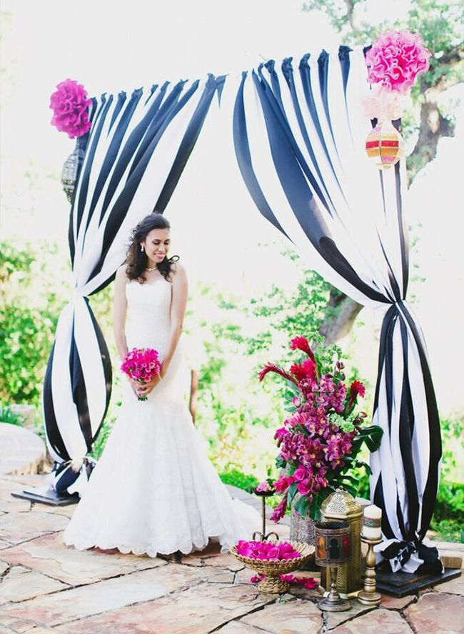 Black & White Weddings - Inspired by This- featured photo by Milou+Olin Photography; Styled by Anais Event Planning & Design- www.anaisevents.com.