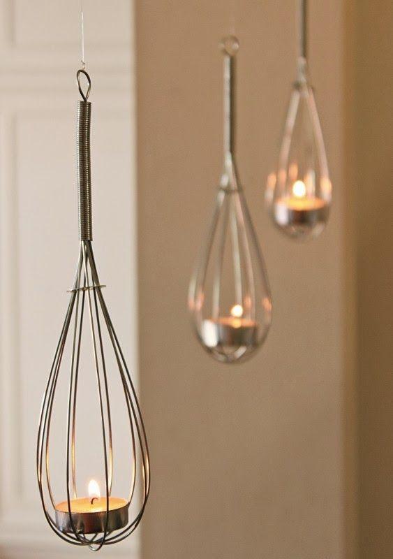 Nette Idee, um die Küche ganz einfach in neuem Glanze strahlen zu lassen! #DIY #Lampe #Küche #Kerze #Schneebesen