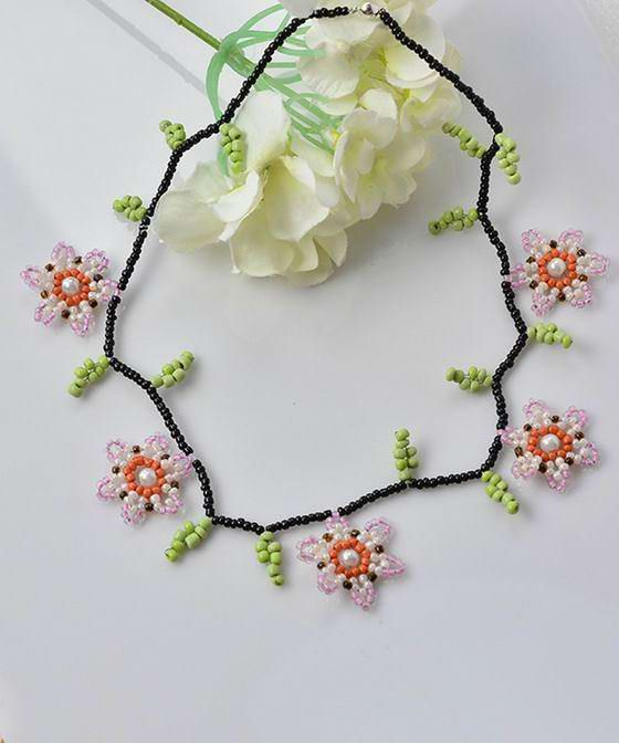 Master class on beading: Flower Necklace ~ Seed Bead Tutorials
