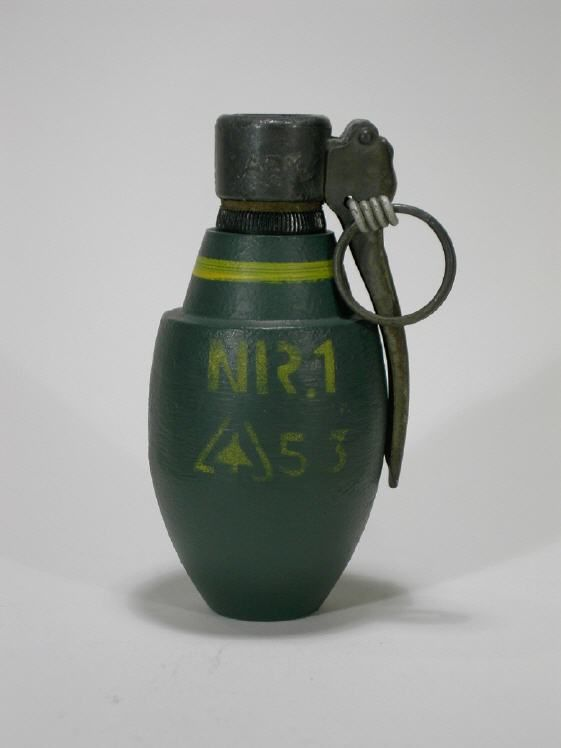 Dutch Nr1 fragmentation defensive grenade  Weight: 670 grams