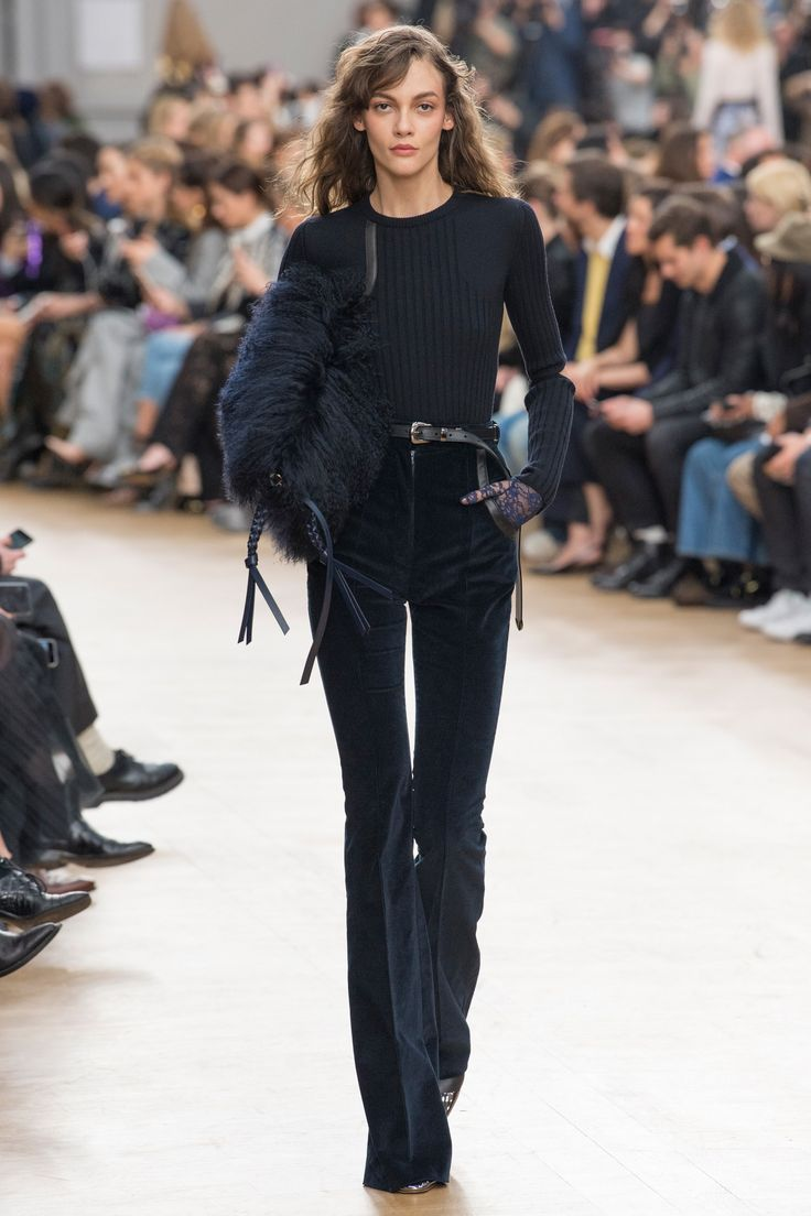 Nina Ricci Fall 2017 Ready-to-Wear Collection Photos - Vogue
