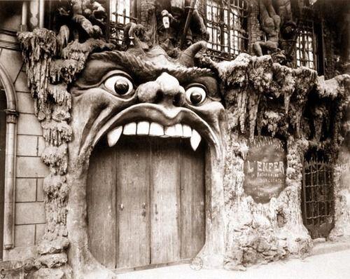 Eugène Atget / Cabaret de L'Enfer, boulevard de Clichy / Entre 1910