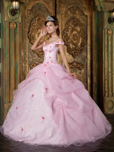 Baby Pink off Shoulders Appliqued Quinceanera Gowns with Pick-ups