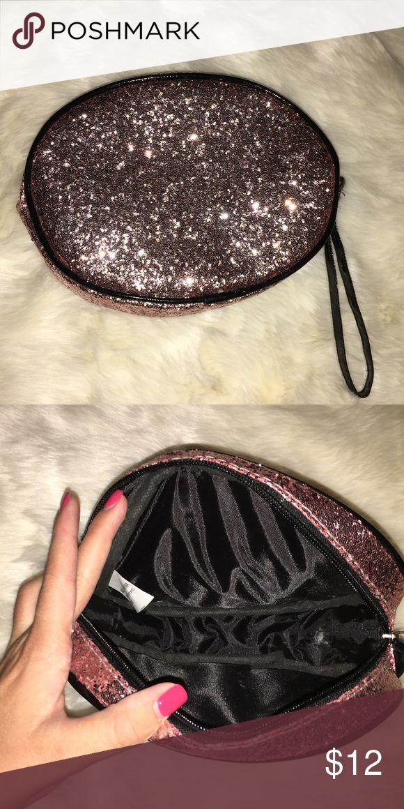 Ulta Makeup Bag Sparkly bag! I loved this bag for makeup but I have also used it as a big hand bag for going out especially on New Years! It's so pretty and shines off of every light! Sephora Bags Cosmetic Bags & Cases