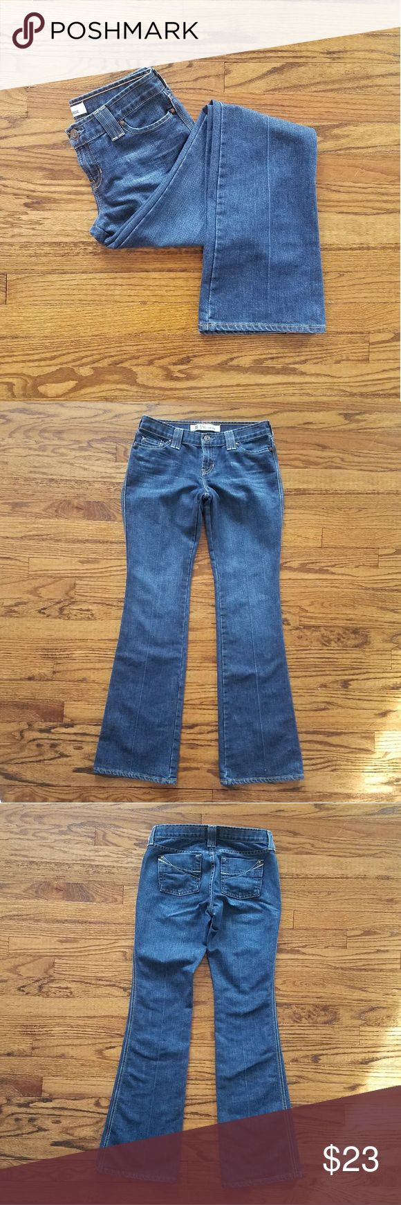 "GAP original ultra low rise jeans size 4 Original ultra low rise jeans. Creases down front and back. Measurements are approx 31"" waist, 33"" inseam, 8"" rise. Excellent used condition. GAP Jeans Boot Cut"