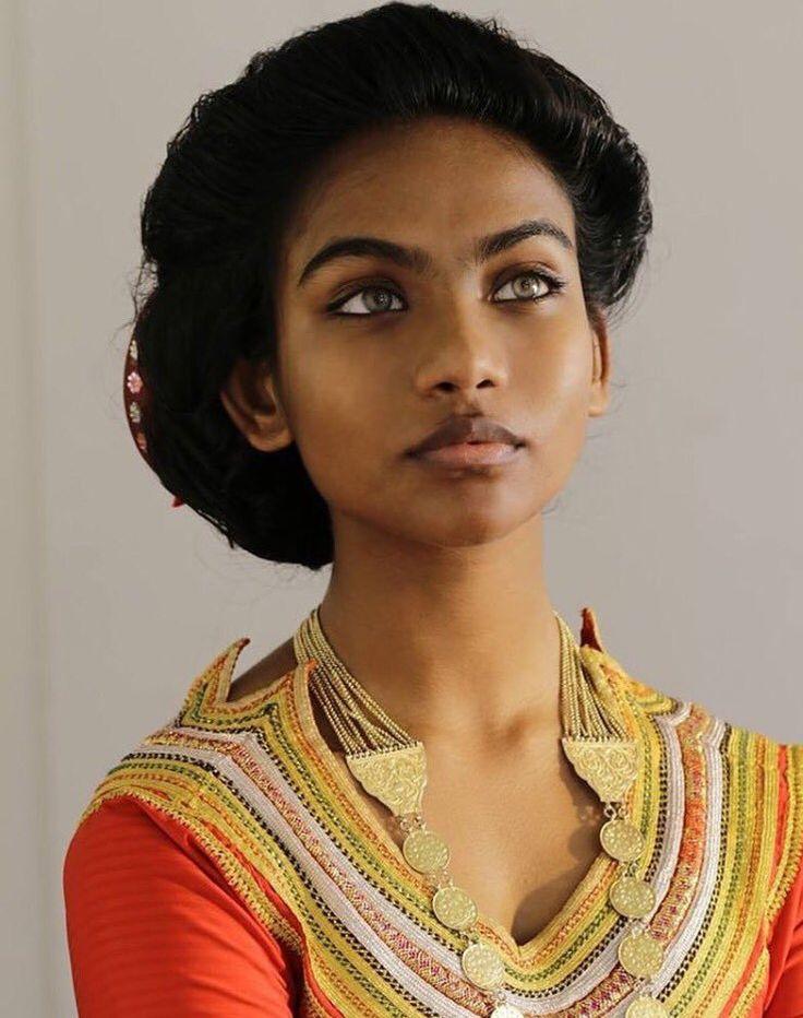 Maldivian hot girls lee hot girl