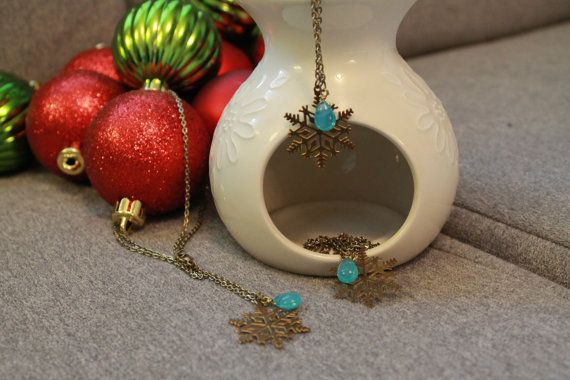 Vintage snowflake and glass pendant necklace by BecomingButtons, $18.00