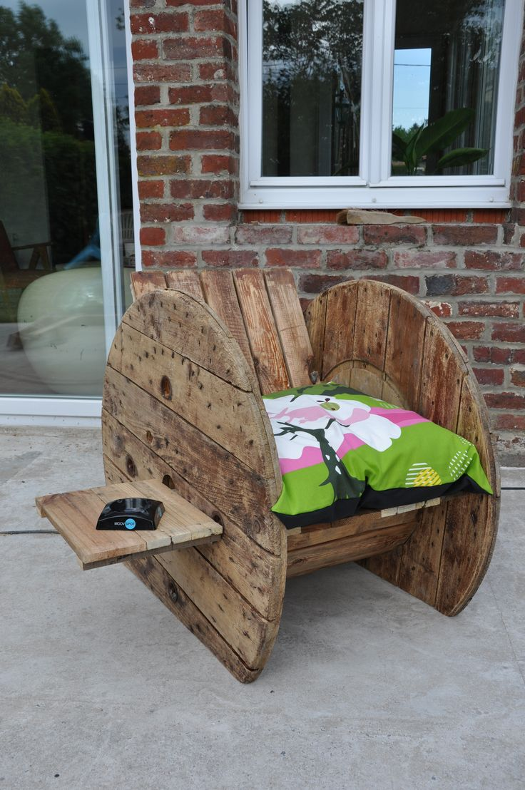 Les 25 meilleures id es de la cat gorie transat de jardin for Chaise en palette de bois