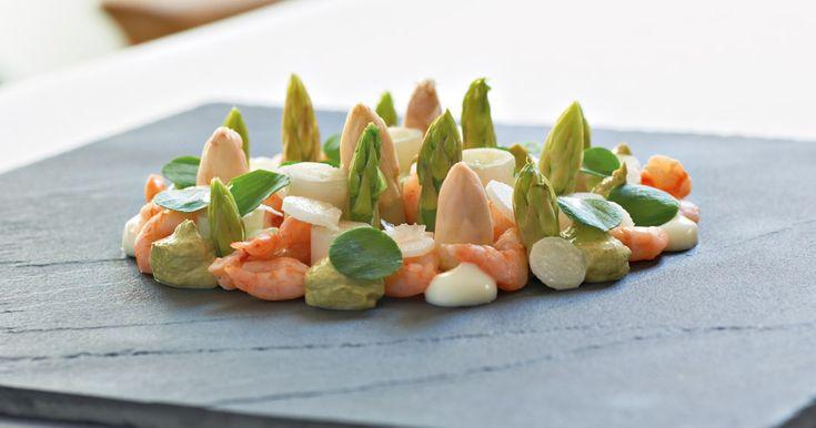 Aspargessalat med fjordrejer - BO BEDRE