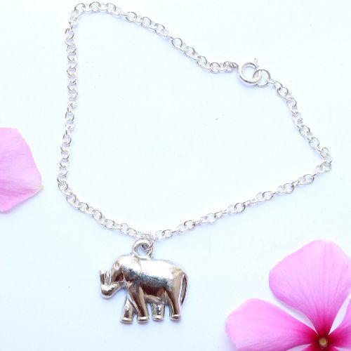 Pulsera con dije elefante en plata .925 hecho en Mexico artesanalmente.  Marca Altea joyería