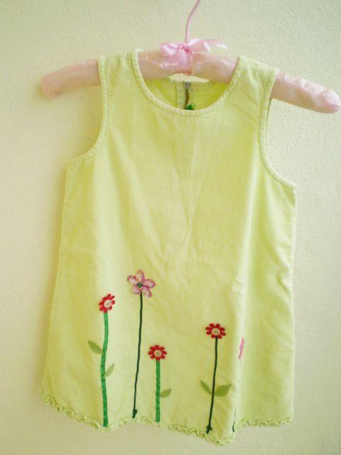 Detské šaty s textilnými aplikáciami