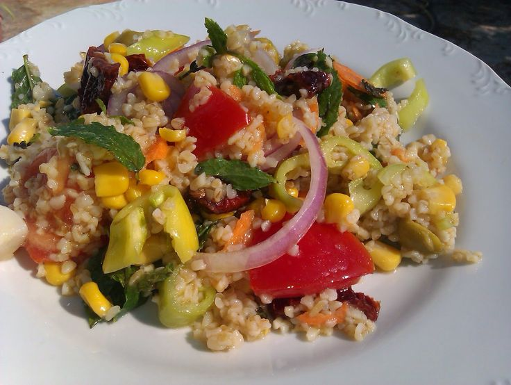 Eύκολη σαλάτα με πλιγούρι
