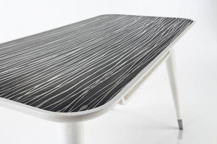 scrittoio con lastra in metallo materico