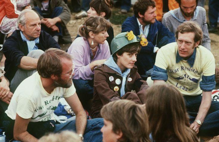 """Petra Kelly: Die Grünen-Politiker erhielt 1982 den Preis als eine der ersten Frauen überhaupt. Die Mitbegünderin der Grünen habe """"eine neue Vision geschaffen, die ökologisches Bewusstsein mit sozialer Gerechtigkeit, Menschenrechten und Friedensbewegung verbindet"""", so die Begründung."""