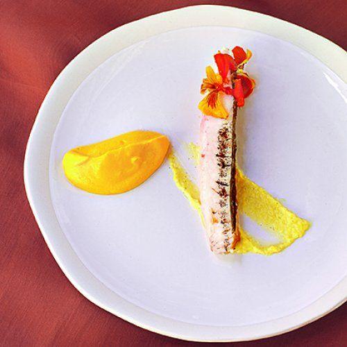 Filet de Saint-Pierre, pâte au citron et mousseline de carottes-safran, une recette de Bruno Verjus, chef du restaurant Table* à Paris