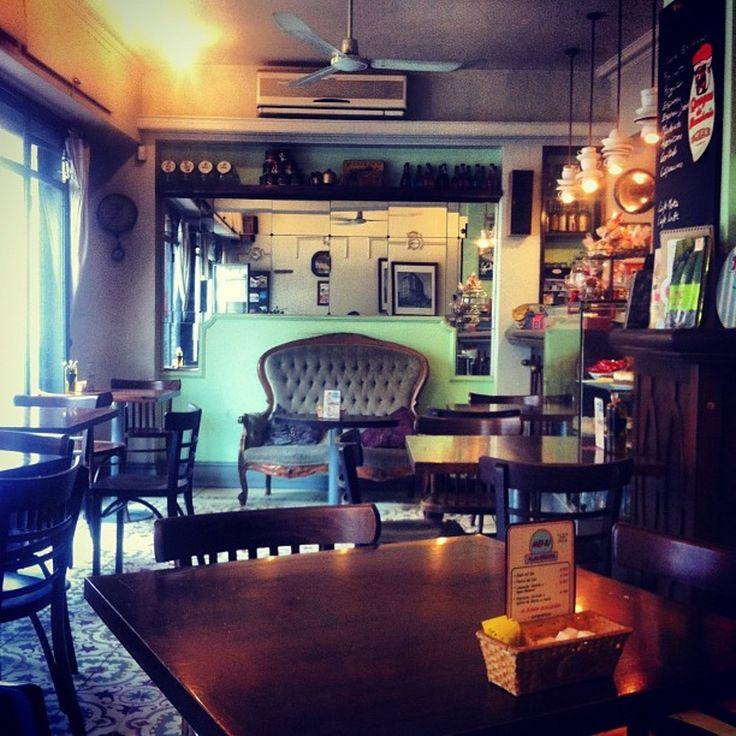 Café Bistro de la Barra, Café and French Restaurant, Santa Lucia, Santiago
