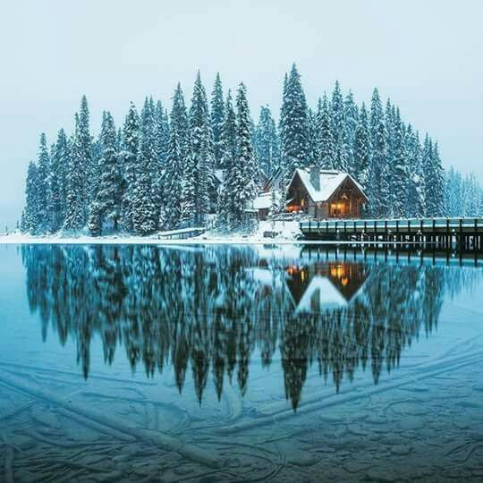 Emerald Lake. Yoho National Park