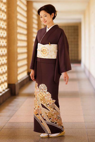 大人っぽい印象のブラウンの色留袖♪ 結婚式列席者用の着物のアイデアまとめ☆