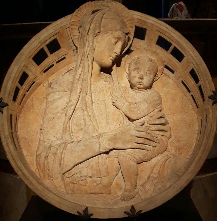 Madonna  del perdono.  1459. Museo dell'opera del Duomo di Siena.
