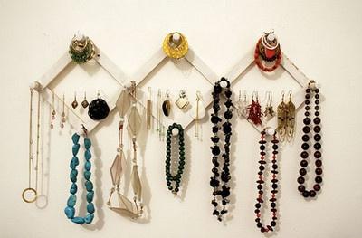 Jewelry organization - hat rack: Jewelry Storage, Coats Racks, Jewelry Display, Diy Jewelry, Necklaces, Jewelry Holders, Hangers, Storage Ideas, Jewelry Organizations
