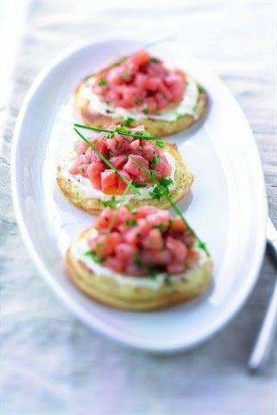 Tartares de saumon sur blinis