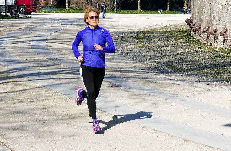 Runing: la perfezione non esiste, ma puoi sempre fare meglio. (Les Brown) - Alternare la corsa a sedute in palestra che poi palestra proprio non è, può solo che aiutare ad incrementare i benefici e i risultati di uno sport che noi comuni mortali facciamo per divertimento o per semplice svago dalla routine quotidiana. - Read full story here: http://www.fashiontimes.it/2017/03/runing-perfezione-non-esiste-puoi-sempre-fare-meglio-les-brown/