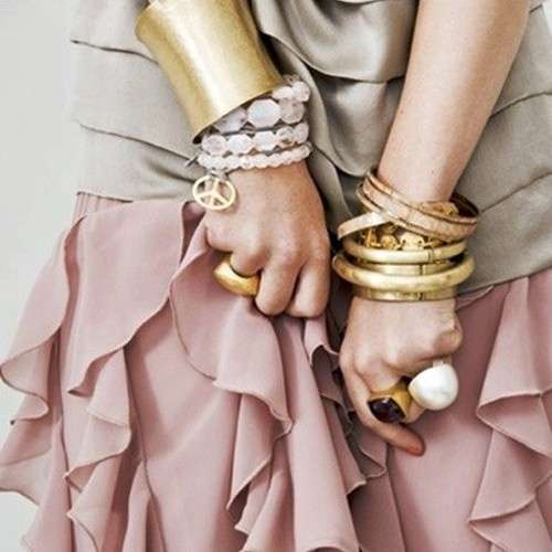 .: Fashion, Style, Color, Bracelets, Jewelry, Pink, Gold, Accessories, Bangle