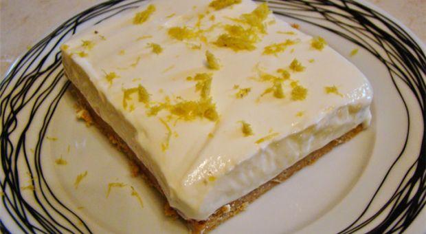 Φανταστικό γλυκό με μπισκότα και γιαούρτι!!! | ingossip.gr