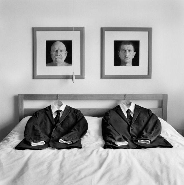 John Paul Evans, ganador Haselblad Master Competition en la categoria de Bodas. En la imagen, fotografia surrealista de un matrimonio gay