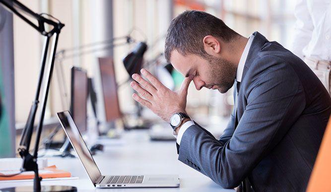 """Verspannter Nacken, rasendeGedanken, unangenehme Stiche im Brustbereich - das sind nur einige der Symptome, die wir spüren, wenn wir drohen an den hohen Anforderungen unseres Alltags zu zerbrechen. Im Volksmund nennen wir diesen Zustand""""Stress"""".  Oft glauben wir, uns """"stressen"""" zu müssen, um viel zu schaffen.  Mittlerweile weiß man jedoch, dass chronischer Stress die Produktivität auf lange Sicht"""