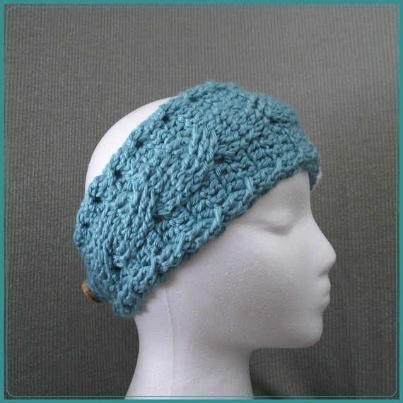 Crochet headband pattern Etsy. @Megan Ward Ward Vanderwal I only know how to crochet, how about you?