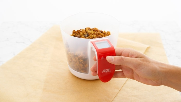 2-in-1 Digital Scale & Measuring Cup by ADE Germany