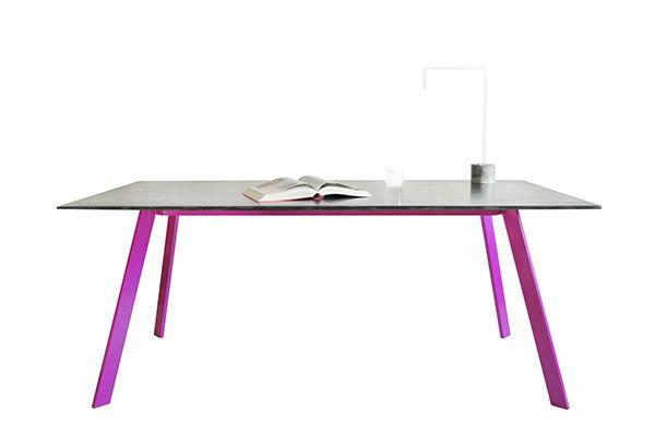 LORIKEET (concrete table) by Tomas Vacek designed for Gravelli.com