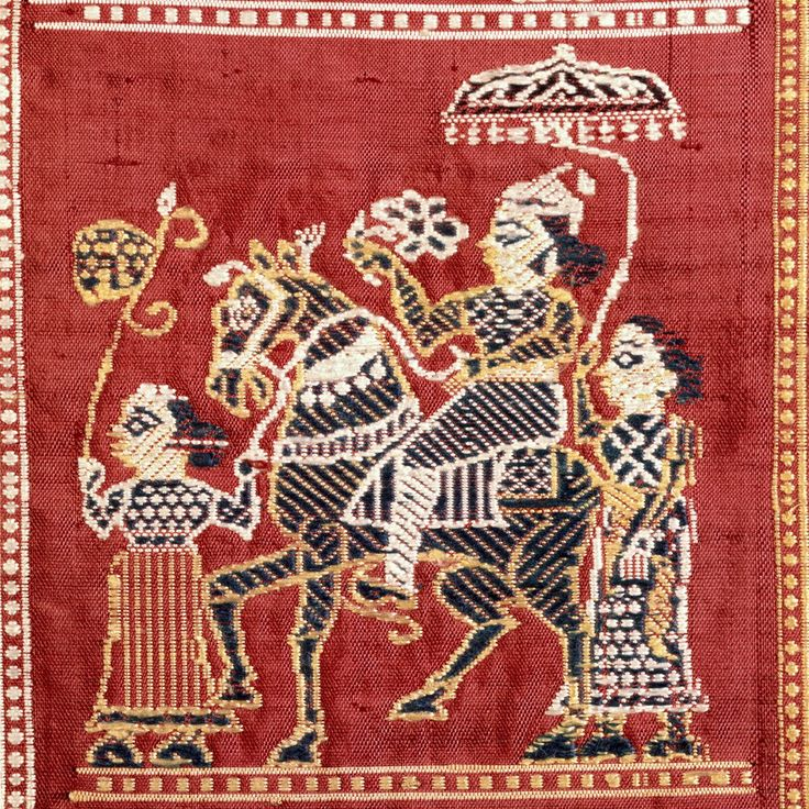 A procession with Horse and Nawabs becomes a motif for the saree. It was this unique human figure that made Baluchari so special