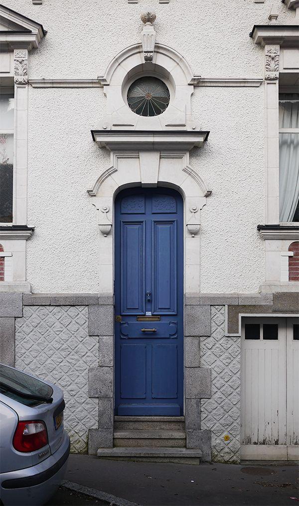 Very thin door - 48 rue Casimir Périer - Nantes France