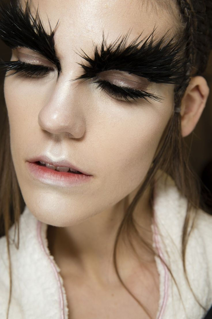 pat mcgrath's beautiful makeup at alexander mcqueen aw14 reminded me of black swan #TopshopPromQueen
