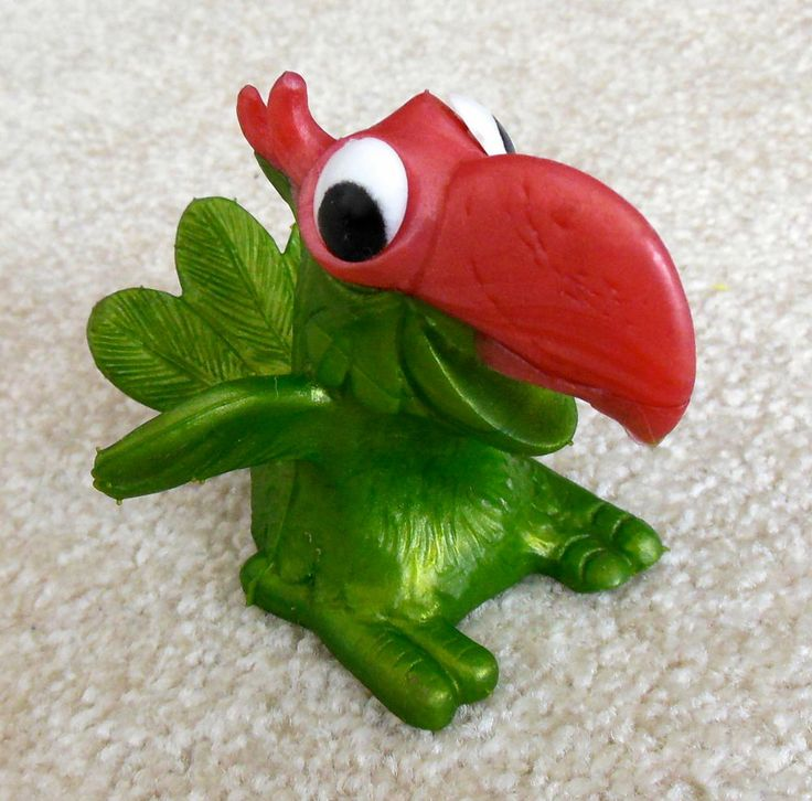 1960s RUSS BERRIE Oily Rubber Jiggler PARROT Figure - Bright & Clean - VERY RARE