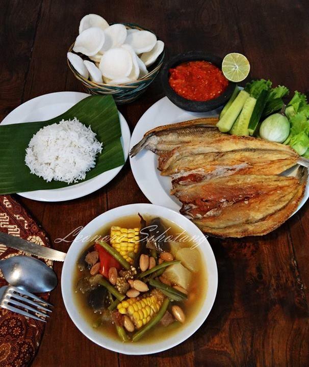 Indonesian menu: sayur-asem & ikan asin
