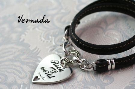 Vernada Design -kieputettava nahkakäsikoru ROCK MY WORLD, musta. #Vernada #jewelry #bracelet #wraparound #leather #suomestakäsin #finnishdesign