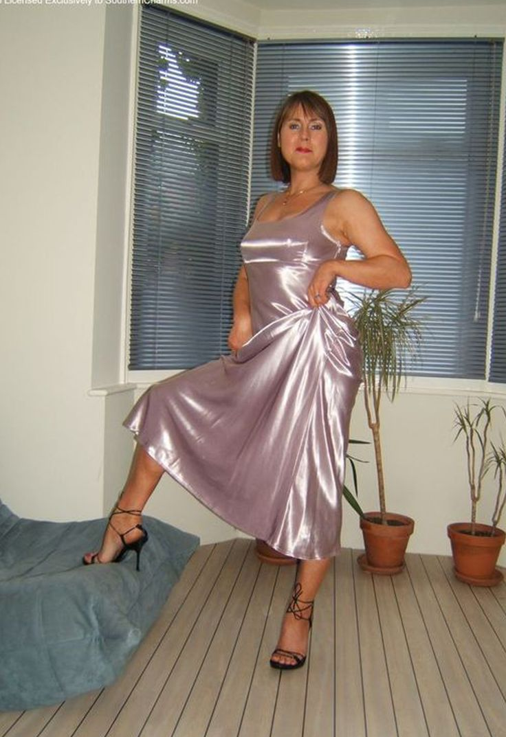 Pin By Donne Thompson On Older Women In 2019  Satin -4808
