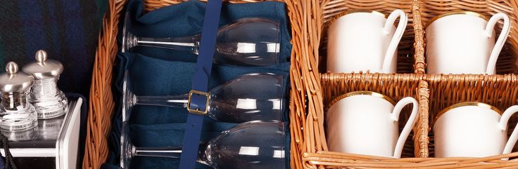 Contents of The Balmoral Luxury Picnic Hamper - Luxury Picnic Hampers (amberleyhampers.com)