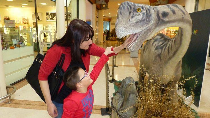 SCHERZO ALLA MAMMA - Dinosauri di Leonardo