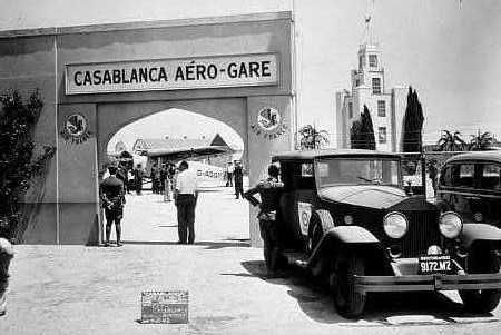 "If you're into classic films, have we got a treat for you! The ""farewell"" final scenes in ""Casablanca"" were filmed at VNY and the set hangar rests at the Airtel Plaza Hotel and Conference Center for guests to enjoy. #VNYHistory #FlyVNYAirport [PIC]"