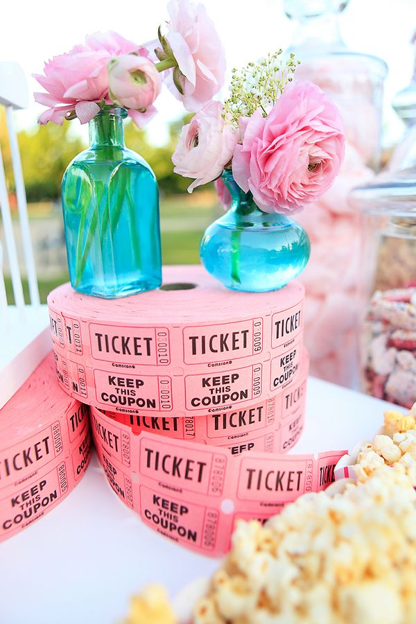 It was a really fun summer!  I had the pleasure of working with Chelsey of Events & Experiences on this fun Vintage Carnival scheme and  it was one of my favorites, I LOVE  turquoise and pinks.…