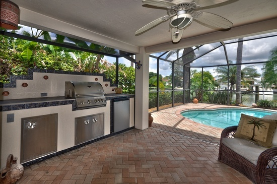 19 best images about outdoor kitchens on pinterest for Outdoor kitchen designs florida